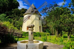 West Indies Cottage Moulin